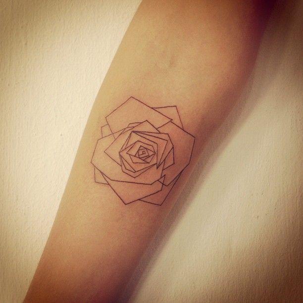 Tatouage Rose Origami